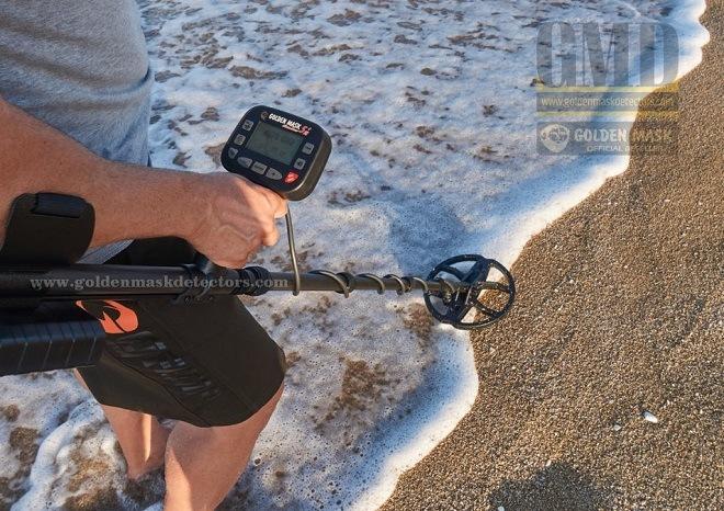Металлоискатель на пляже
